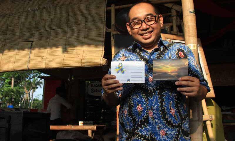 Serial Postcard Peduli Autisme Diluncurkan di Forum Klub Jurnalistik