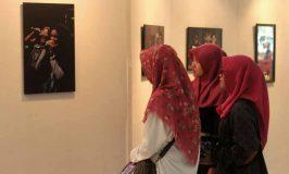 Kontradiksi Indonesia dalam Bingkai Les Elegant