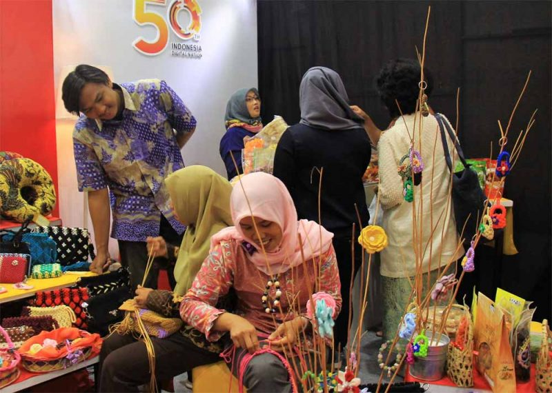 Indosat Ooredo Konsisten Membina berbagai Komunitas Kerajinan Perempuan
