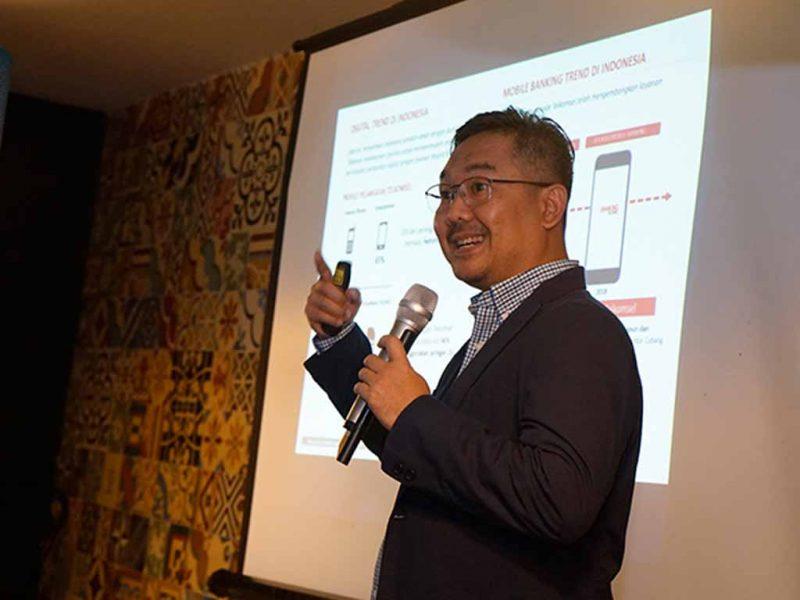 Layanan Mobile Banking Telkomsel Naik 11 Persen