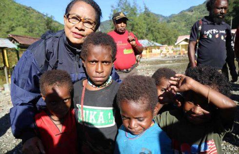 Yohana Yembise : Anak Banti Harus Kembali Sekolah