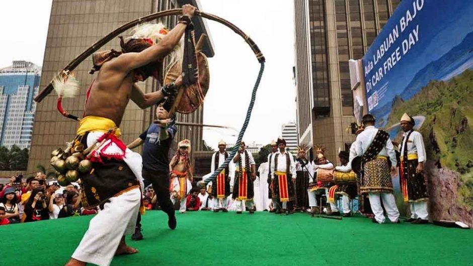 Kemenpar Suguhkan Seni Budaya NTT di CFD Jakarta