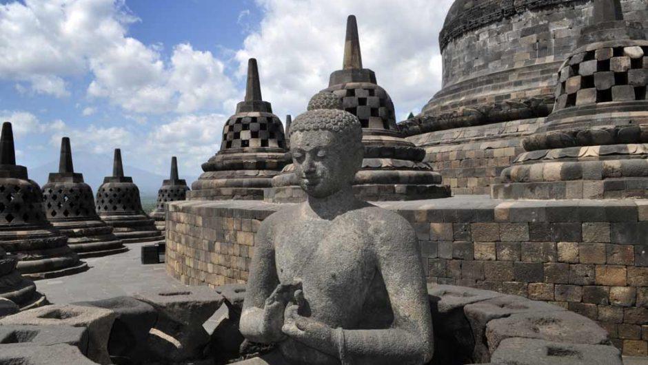 Rahasia Stupa dan Kalender Raksasa