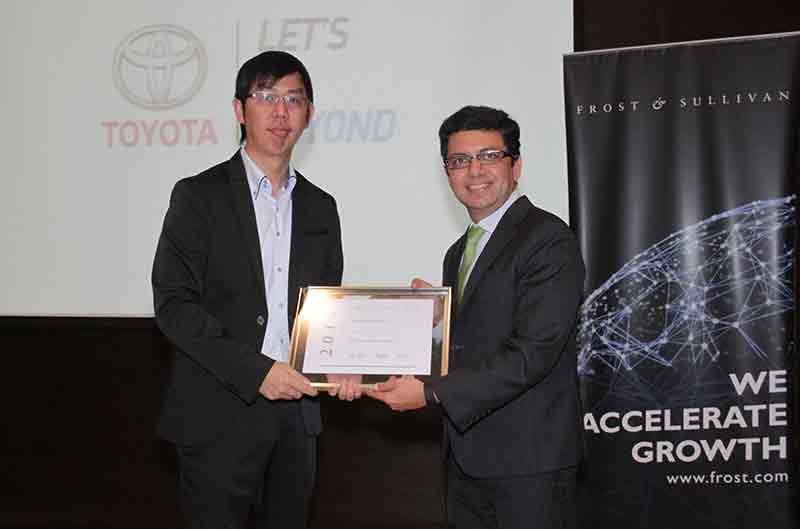 Kijang Innova Raih Penghargaan Car of The Year