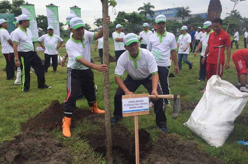 Bandara Juanda Tanam 1000 Pohon dan Pembuatan Bio pori