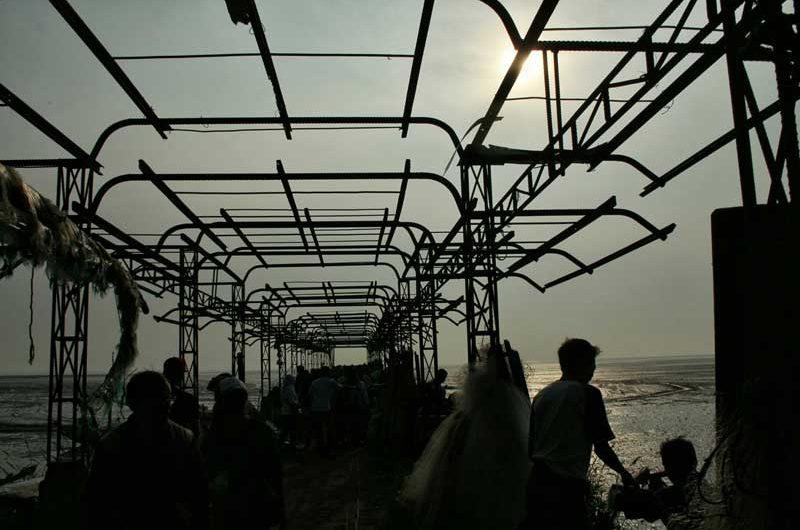 Melihat Gerhana Matahari dari Surabaya