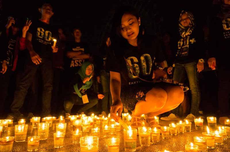Hemat Energi di Earth Hour 2016