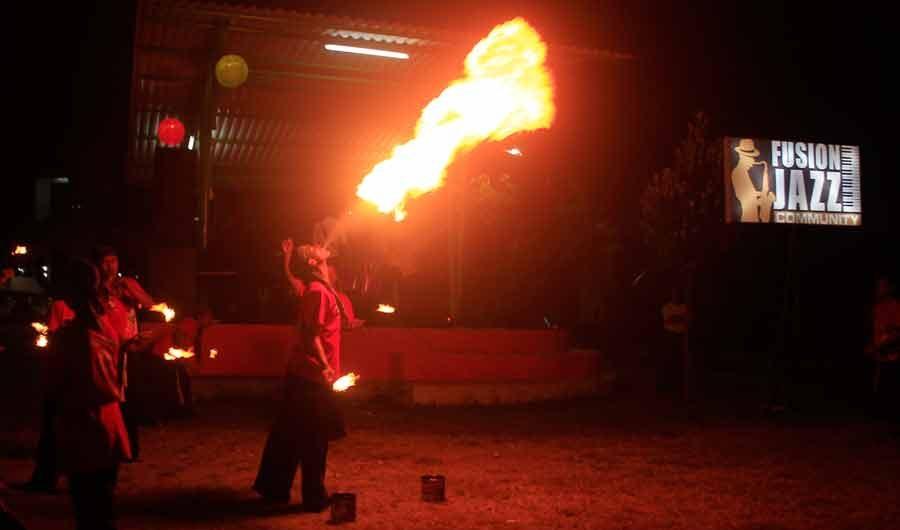 Paduan Jazz dan Semburan Api di Bulak Festival