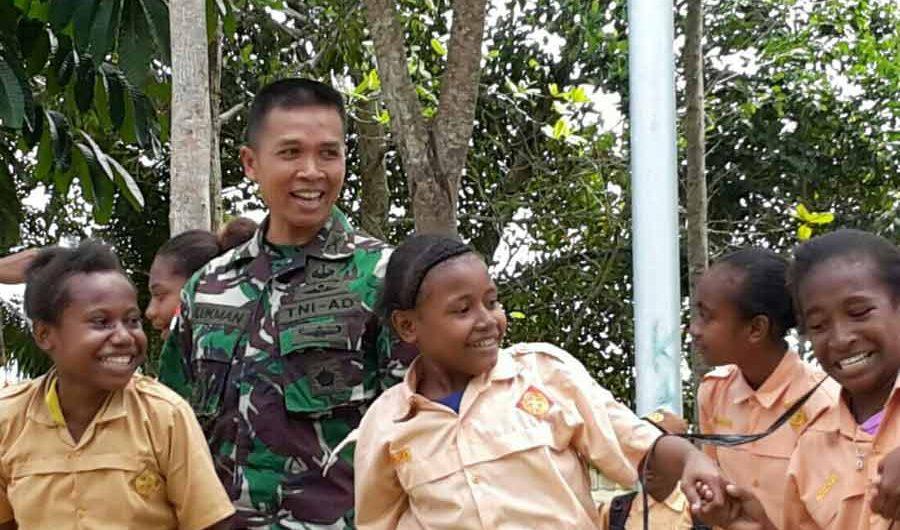 Asah Wawasan Kebangsaan dalam Latihan Kepramukaan di Papua