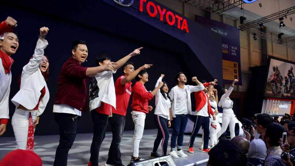 Youtubers Indonesia Pukau Pengunjung Toyota Booth di GIIAS 2018
