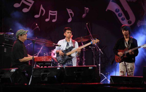 Aksi Tom Grant dan Idang Rasjidi di Jazz Traffic Festival 2018