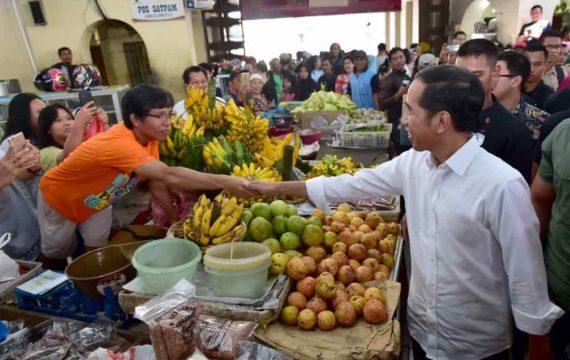 Libur Lebaran Presiden Jokowi Kunjungi Pasar Gede