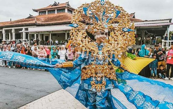 Pesona 7 Budaya di Batam International Culture Carnival 2019