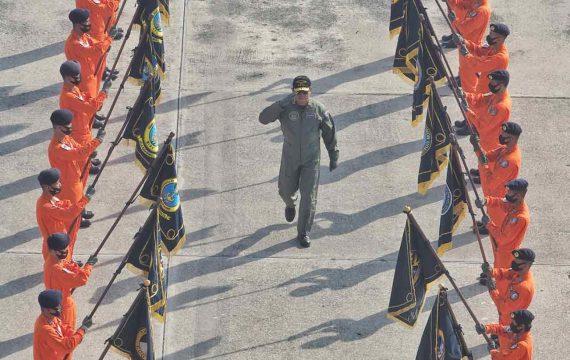 Kasal Terima Brevet Kehormatan Penerbangan TNI AL