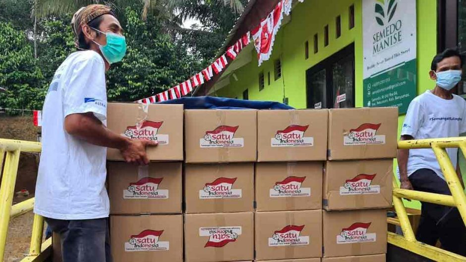 Tempuh Ratusan Kilometer, Semangat Biwi Suwito Distribusikan paket 'Semangat Saling Bantu' dari Astra